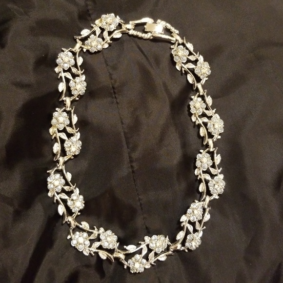 Silvertone Horn Toad Faith Infinity Toggle Chain Bracelet 8